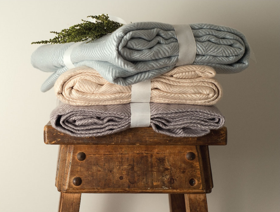 cariloha-bamboo-knit-throw-blankets