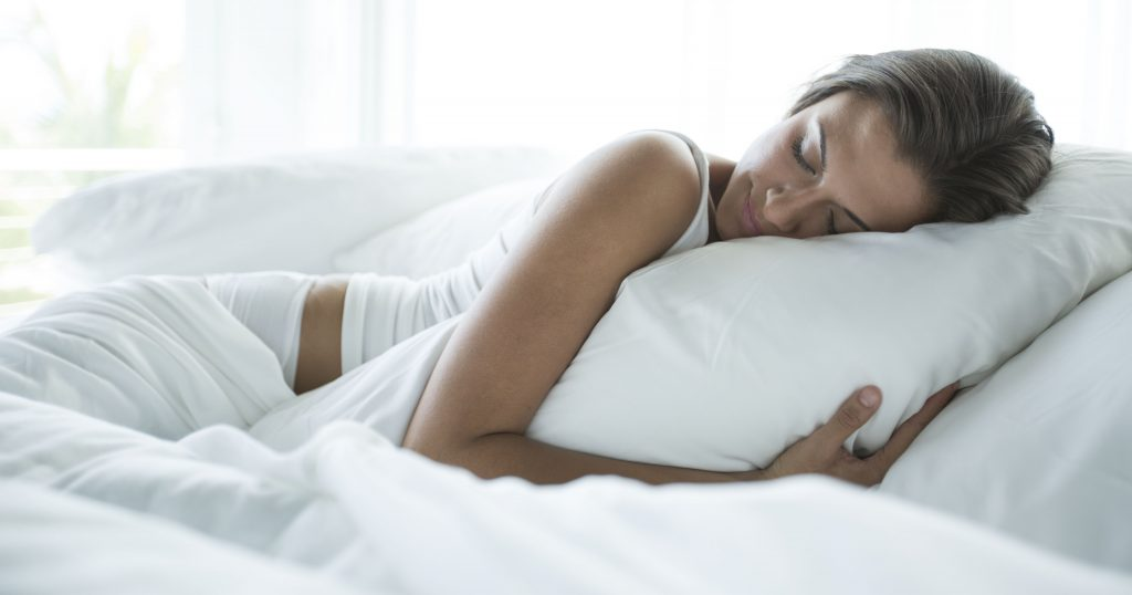 Seven Tricks to Sleep Well on a Hot Night