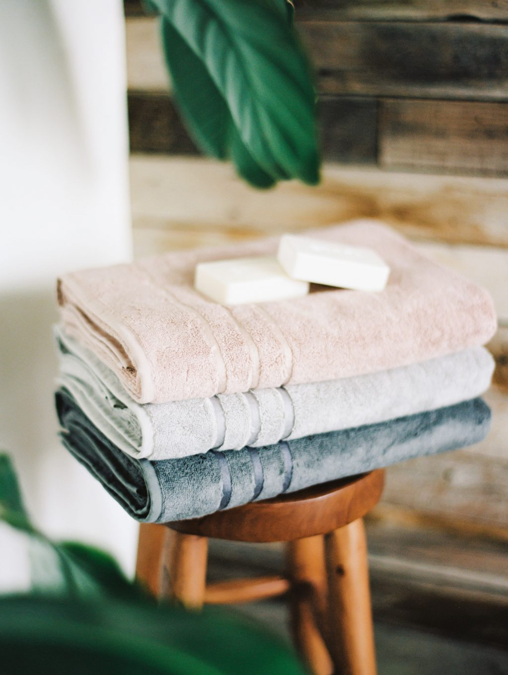 Bustle Magazine Spotlights Cariloha as One of Best Luxury Bath Towels